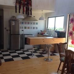 Cocinas de estilo  por Casas del Girasol- arquitecto Viña del mar Valparaiso Santiago , Rústico