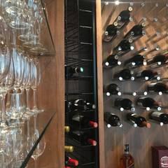 Garrafeiros Personalizados e Exclusivos Adegas clássicas por Edr Cristal - Adegas Climatizadas Clássico Madeira maciça Multi colorido
