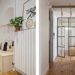 Banc d'entrée: Couloir et hall d'entrée de style  par SOHA CONCEPTION