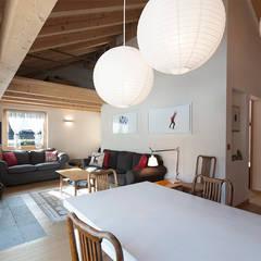 SOGGIORNO E STUDIO: Sala da pranzo in stile  di Studio Architettura Macchi