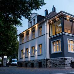 Straßenansicht:  Bürogebäude von FH-Architektur