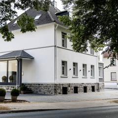 Eingangsbereich:  Bürogebäude von FH-Architektur