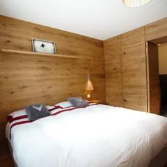 CAMERA DA LETTO: Camera da letto in stile  di Studio Architettura Macchi