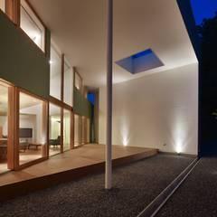 河内長野の家: 藤原・室 建築設計事務所が手掛けたリゾートハウスです。