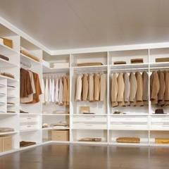 modern Dressing room by Feza Mutfak