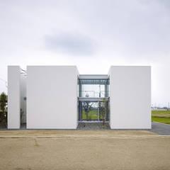 松前の家: 小松隼人建築設計事務所が手掛けた家です。
