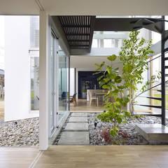 松前の家: 小松隼人建築設計事務所が手掛けた階段です。