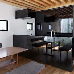 高柳の家: 小松隼人建築設計事務所が手掛けたキッチンです。,