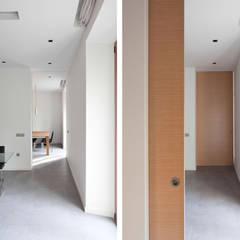 Koridor dan lorong oleh GUILLEM CARRERA arquitecte, Mediteran