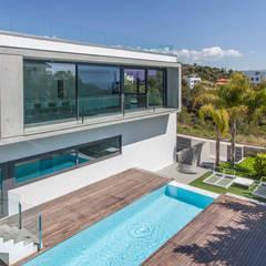 Zwembad door GUILLEM CARRERA arquitecte