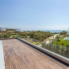 CASA SIENA: Terrazas de estilo  de GUILLEM CARRERA arquitecte