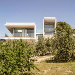 CASA VN: Casas de estilo  de GUILLEM CARRERA arquitecte