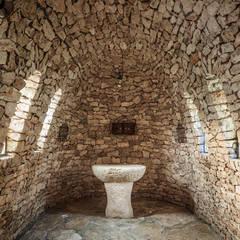 Bodegas de vino de estilo  por GUILLEM CARRERA arquitecte,