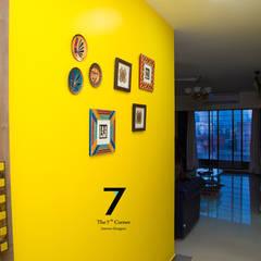 3bhk Residence at goregoan , mumbai:  Corridor & hallway by The 7th Corner - Interior Designer,Asian