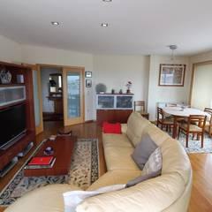 Apartamento T3 com excelente terraço. Referência: clix mais AP 306 Salas de estar rústicas por Clix Mais Rústico
