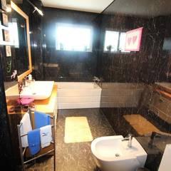 Casa de banho serviço (2): Casas de banho  por Clix Mais