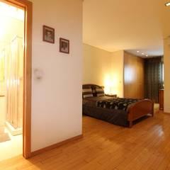Apartamento T3 com excelente terraço. Referência: clix mais AP 306 Quartos rústicos por Clix Mais Rústico