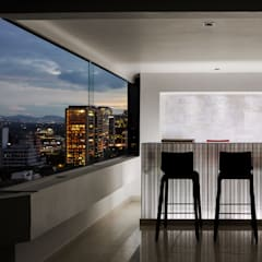 Harmony and Balance in the heart of Polanco, Mexico City. : Cavas de estilo moderno por Progressive Design Firm