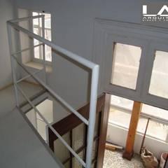 Ventanas de estilo  por Lau Arquitectos