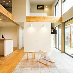架け橋の家: STaD(株式会社鈴木貴博建築設計事務所)が手掛けたフローリングです。