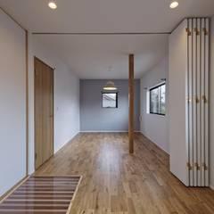 asian Nursery/kid's room by 空間工房 用舎行蔵 一級建築士事務所