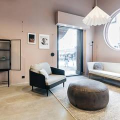Interieur Winkel Fort-M Den Haag :  Winkelruimten door Studio Kustlijn Architecten