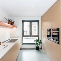INTERIEUR ONTWERP | ROTTERDAM 2018:  Inbouwkeukens door Studio Kustlijn Architecten