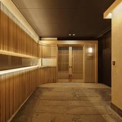 Corridor & hallway by 空間工房 用舎行蔵 一級建築士事務所