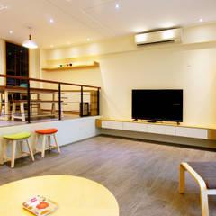 Estudios y oficinas de estilo rural por 大漢創研室內裝修設計有限公司