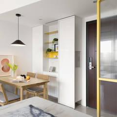 Puertas de estilo  por 寓子設計, Escandinavo