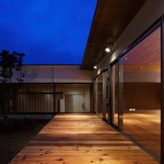 空間工房 用舎行蔵 一級建築士事務所:  tarz Koridor ve Hol