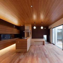 asian Kitchen by 空間工房 用舎行蔵 一級建築士事務所