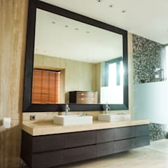 JC House :  Kamar Mandi by ARF interior