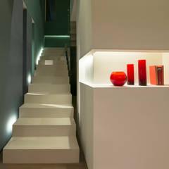 SD HOME: Scale in stile  di Federico  Cappellina Architetto