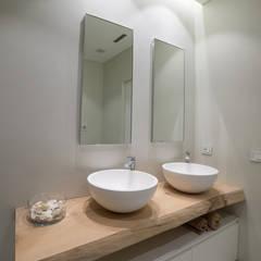 SD HOME: Bagno in stile  di Federico  Cappellina Architetto