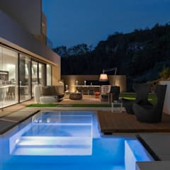 Infinity pool by Federico  Cappellina Architetto