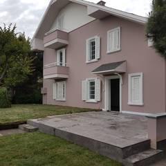Bodrum Uygulama / DALKILIÇ İç Mimarlık – Villa Projesi:  tarz Ön avlu