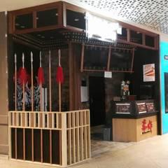 Cheers Cut Singapore:  Floors by Singapore Carpentry Interior Design Pte Ltd,Modern