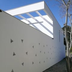 Villa B à La Ciotat: Maisons de style  par MFC Architecture