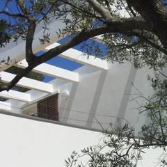 Villa P à La Ciotat: Maison individuelle de style  par MFC Architecture