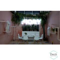 Centros de exhibición de estilo  por Decó ambientes a la medida