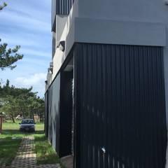 Casa passiva in stile  di JeremíasMartínezArquitecto
