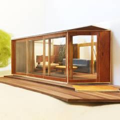 腰越のフルリノベーション: 鎌倉住宅設計事務所 邸宅巣箱が手掛けた窓です。,ラスティック