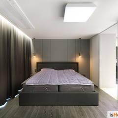 시선을 사로잡는 38평 청라아파트의 품격: 이즈홈의  침실