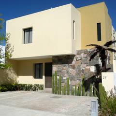 Casa Mayrán: Casas unifamiliares de estilo  por Alberto M. Saavedra