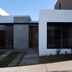 Residencia PC [León, Gto.]: Casas unifamiliares de estilo  por 3C Arquitectos S.A. de C.V.