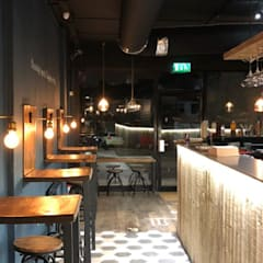 Huggamug Restaurant and Shisha Lounge:  Gastronomy by IS AND REN STUDIOS LTD