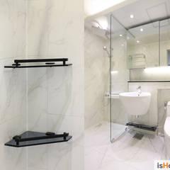 화이트 우드 인테리어의 새로운 시선 32평 부천아파트: 이즈홈의  욕실