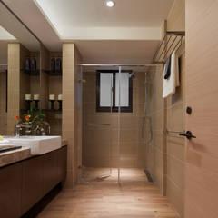 永和 舊翻新:  浴室 by 星葉室內裝修有限公司, 現代風