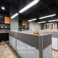 台新建材公司辦公室-毛胚空間設計.工程:  辦公大樓 by 台中室內設計-寬叡- 空間設計.工程